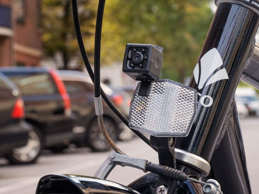 Få 2 utg. av Gjør Det Selv + Mini HD-kamera